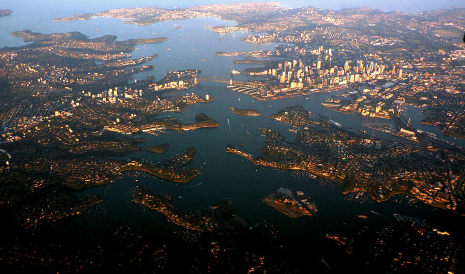 1200px-Sydney(from_air)_V2